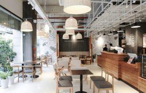 chuyen-mo-quan-cua-the-coffee-house-do-ni-tung-cai-ban-cai-ghe-3-1521716529179213766912